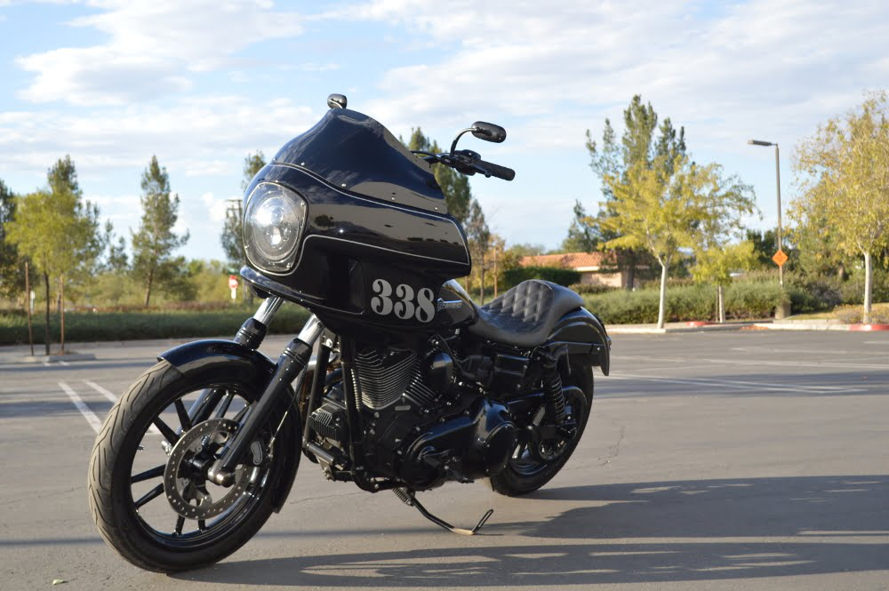 2011-dyna-super-glide-fxdc-01-main